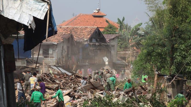 Penggusuran Permukiman Penduduk di Kampung Pulo