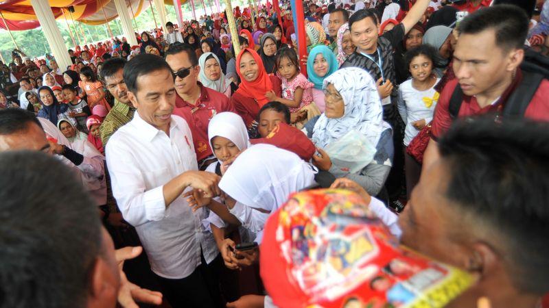 Presiden Joko Widodo di Dharmasraya, Padang