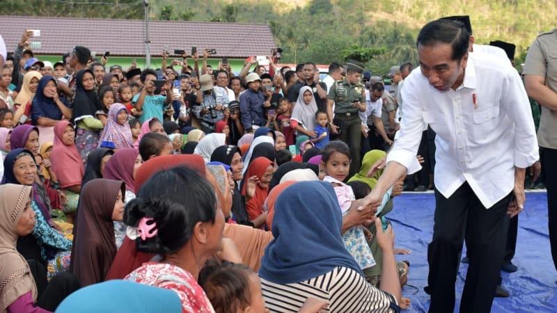 Jokowi Kunjungi Korban Gempa di Lombok NTB