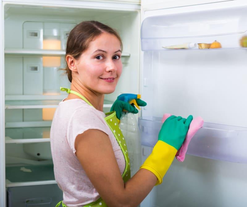 Baking Soda untuk Bersihkan Kulkas