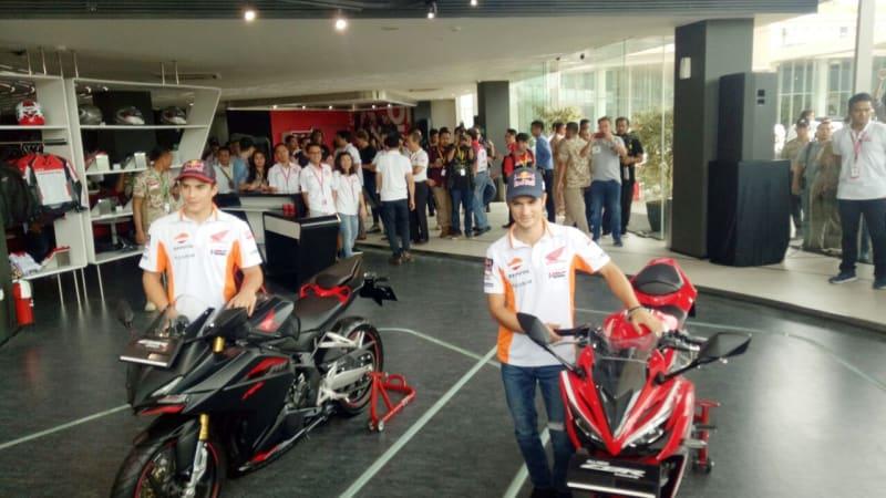 Marc Marquez dan Dani Pedrosa bertemu fansnya