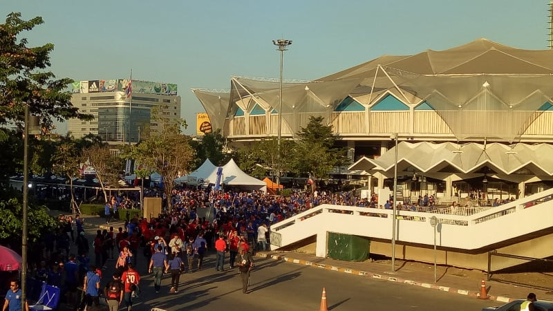 Suasana Rajamangala National Stadium di Thailand
