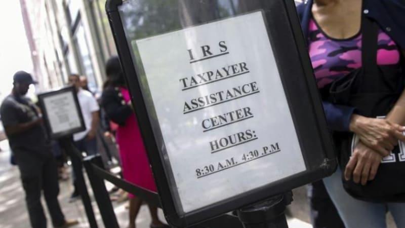 Poster layanan kantor pajak AS.