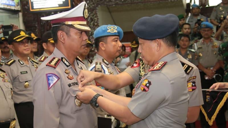Kapolri beri penghargaan pada Dirlantas Polda Riau