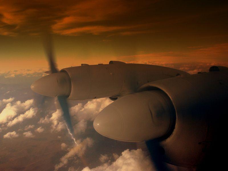 Ilustrasi Il-18 buatan Rusia