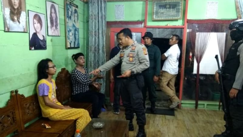 Polres Aceh Utara grebek 12 waria di salon
