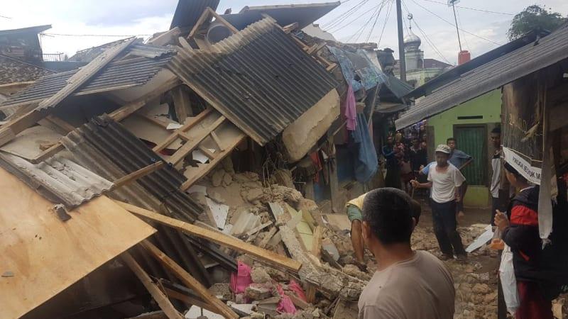 Dampak kerusakan akibat gempa banten di Bogor