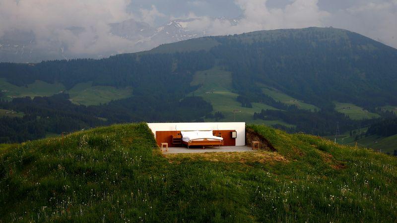Hotel di atas bukit