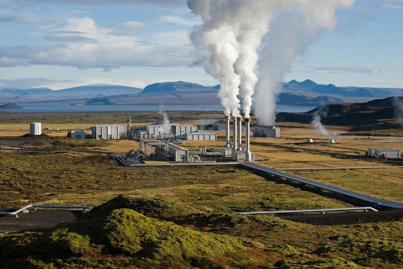 Ilustrasi geothermal (panas bumi)