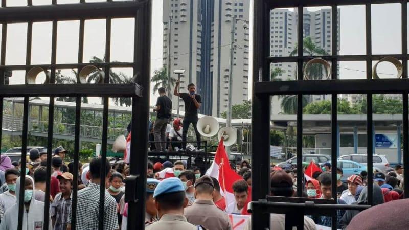 Demo di Polda Metro Jaya, Mahasiswa Minta Polisi Tangkap Segera Ratna Sarumpaet