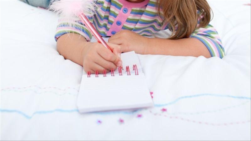 Anak-anak menulis diary