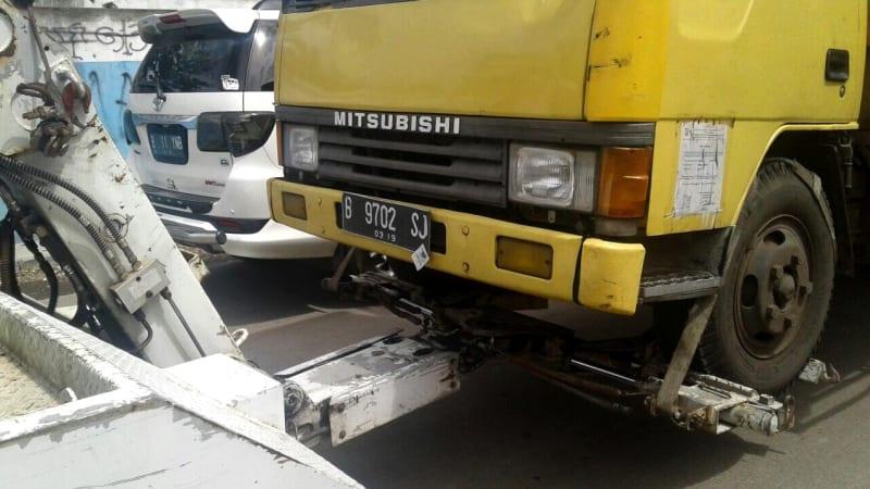 Tiga truk terjaring razia Dishub Jakarta Barat