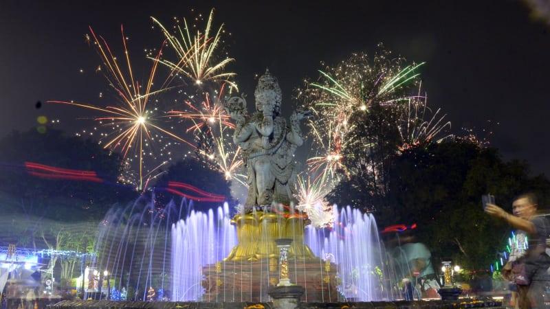 Perayaan Malam Tahun Baru di Denpasar Bali