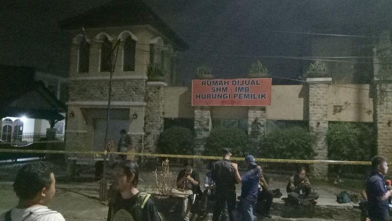 TKP penggerebekan terduga teroris Di Dukuh Pakis.