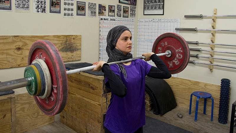 Atlet Angkat Besi di American Open , Hijab