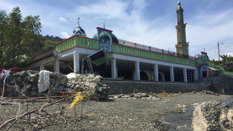 Masjid Ar Rahman kokoh berdiri meski dihantam tsunami.