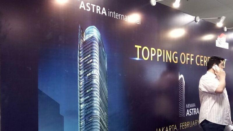 Topping Off Menara Astra