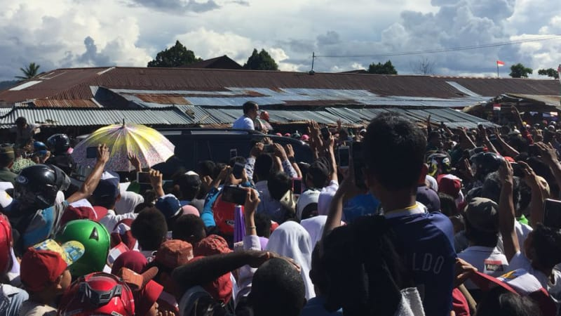 Jokowi Resmikan Poliklinik BLU RSUD Nabire, Papua - kumparan