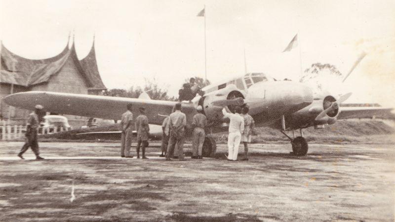 Pesawat Avro Anson RI 003