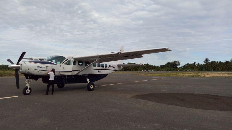 Maskapai Susi Air Mendarat di Bandara Werur