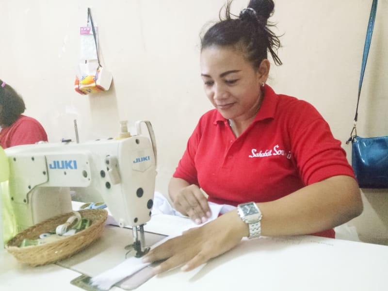 Pembuatan Topi Santa Claus di daerah Bekasi