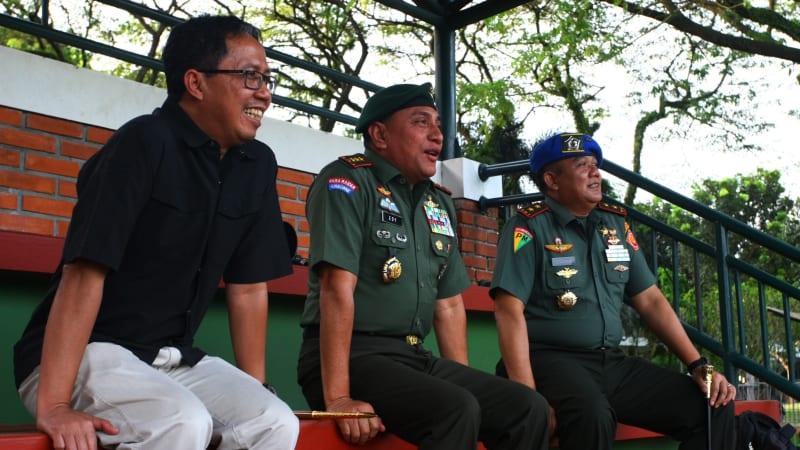 (Cover) Ketum PSSI Letjen Edy Rahmayadi dan Wakil Ketua Djoko Driyono