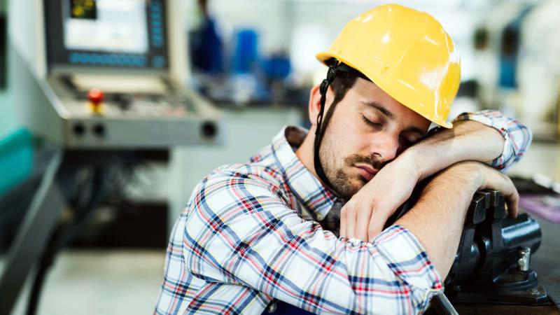 Tidur sebentar saat kerja