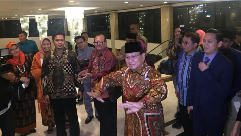 Prabowo Subianto berjoged