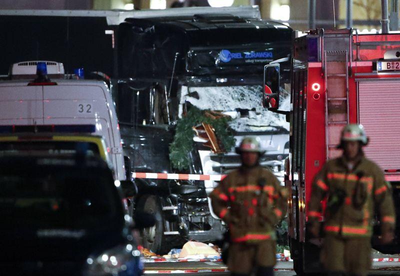 Bus menabrak pasar Natal di Berlin, Jerman
