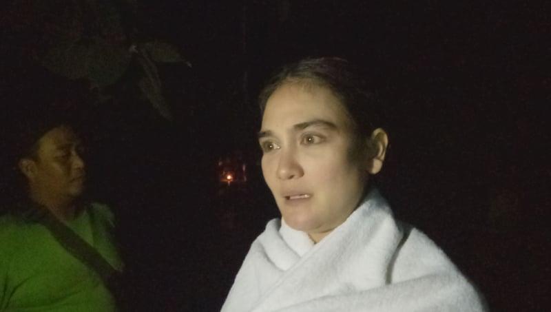 Luna Maya di tempat berendamnya Suzzanna di Wana Wisata Sendang Jumprit, Temanggung