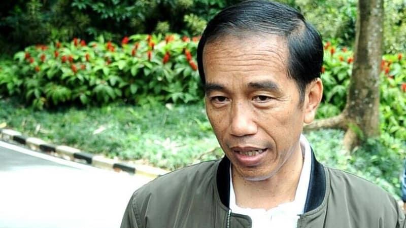Jokowi dengan Jaket Bomber (cover)