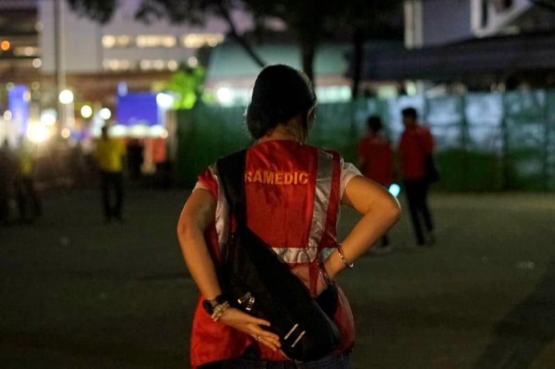 Paramedis tetap berjaga hingga acara selesai