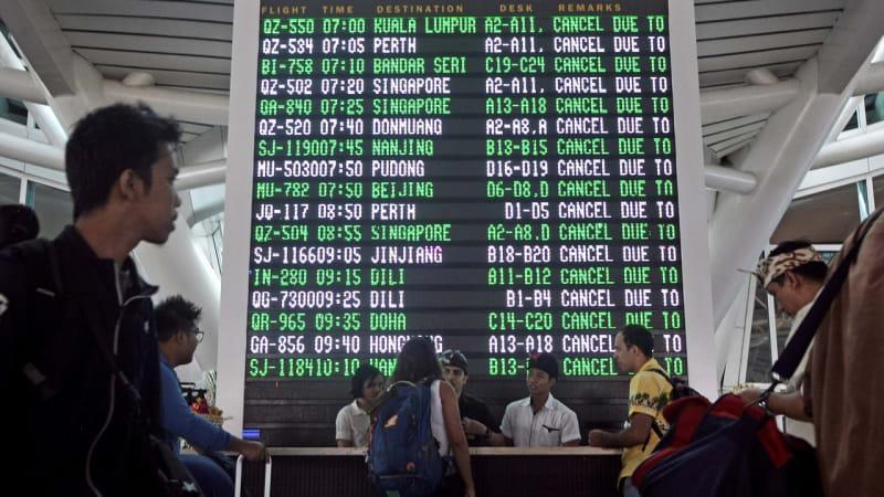 Penumpang di Bandara Ngurah Rai, Bali