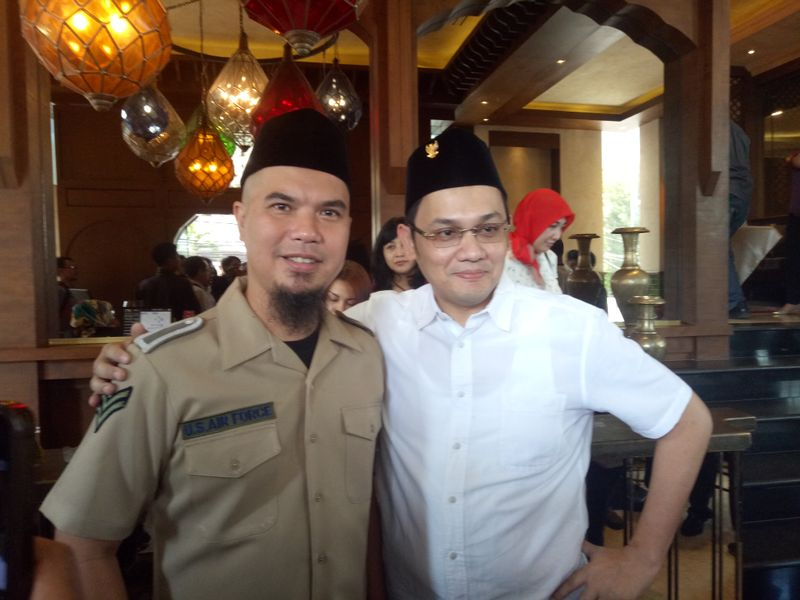 Ahmad Dhani dan Farhat Abbas