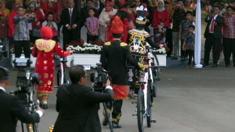 Sepeda hadiah dari Jokowi