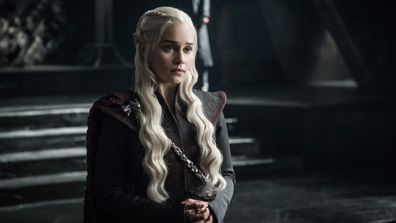 Emilia Clarke sebagai Daenerys Targaryen