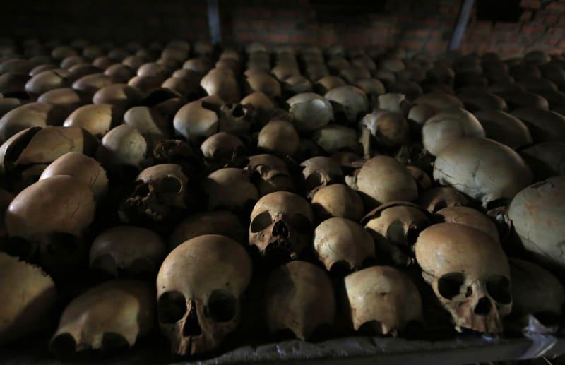 Tengkorak warga Rwanda yang menjadi korban pembantaian di tahun 1994.