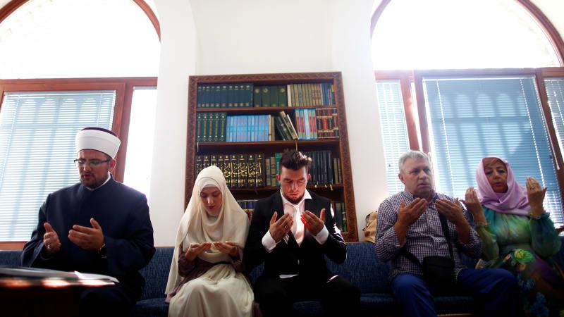 Pernikahan Massal Muslim di Bosnia