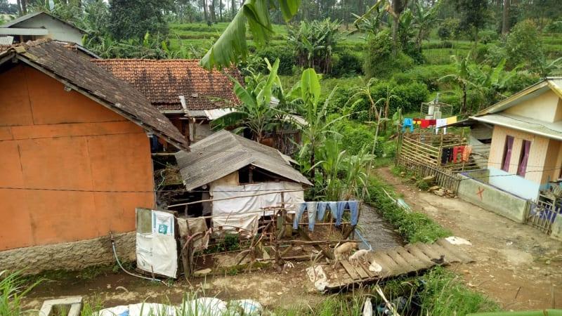 Rumah di Desa Tarumajaya yang akan direlokasi