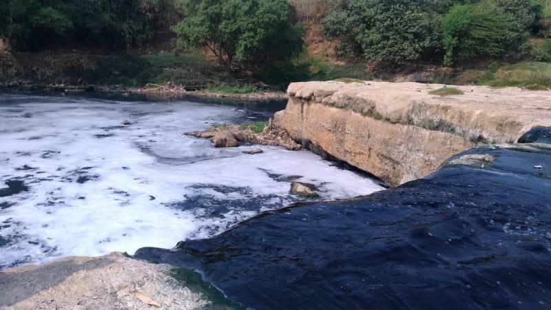 Kondisi Sungai Cileungsi di Ciangsana, Bogor.