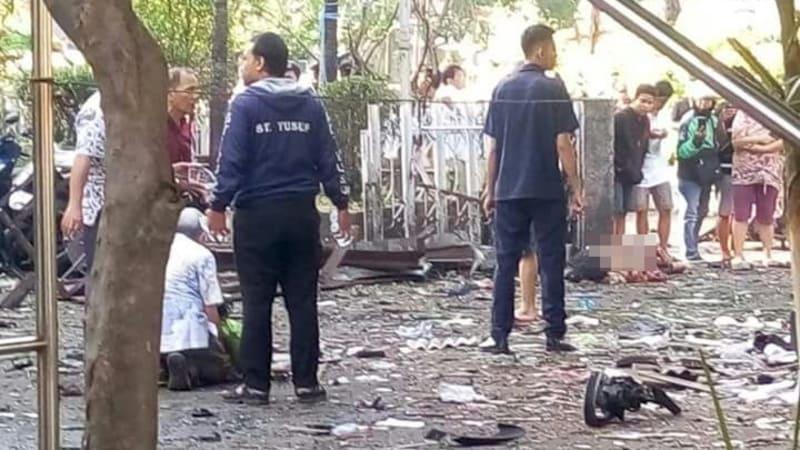Ledakan bom di Surabaya.