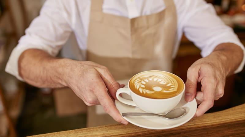 Barista bisa membuat kopi