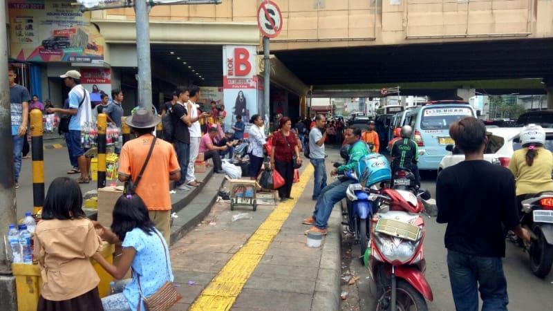 PKL Tanah Abang kembali ke trotoar.