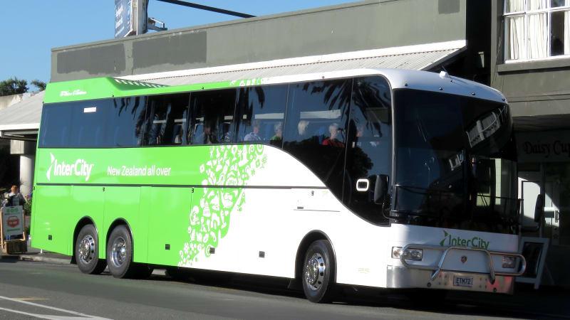 Naik bus di Selandia Baru