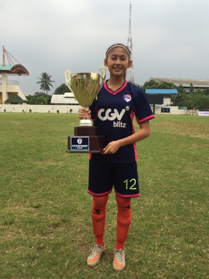 Srikandi di Dunia Sepak Bola Indonesia  kumparan