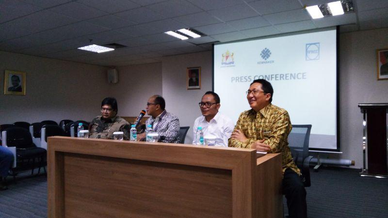 Kementerian Tenaga Kerja (Kemnaker), Kamar Dagang dan Industri (Kadin) dan Asosiasi Pengusaha Indonesia (Apindo)