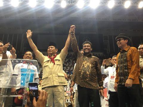 Prabowo dan Said Iqbal di Istora Senayan.