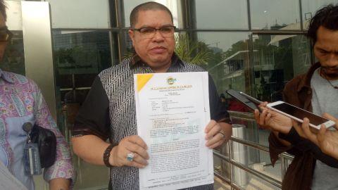 Razman Arif Nasution, Hendri Yuzal