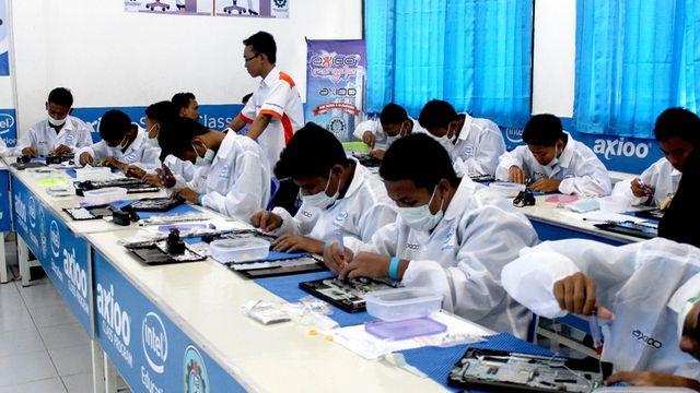 SMKN 3 Bojonegoro Mampu Rakit Laptop Mandiri