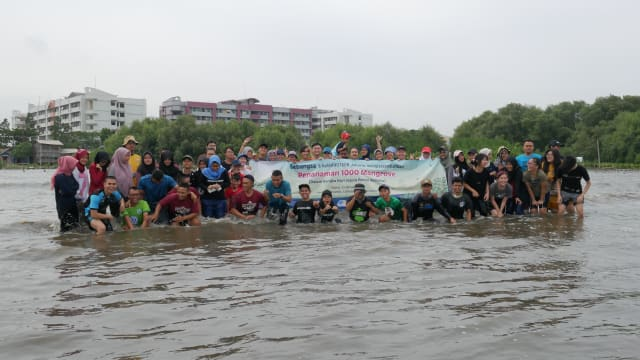 Kado 1000 Mangrove untuk Pesisir Marunda